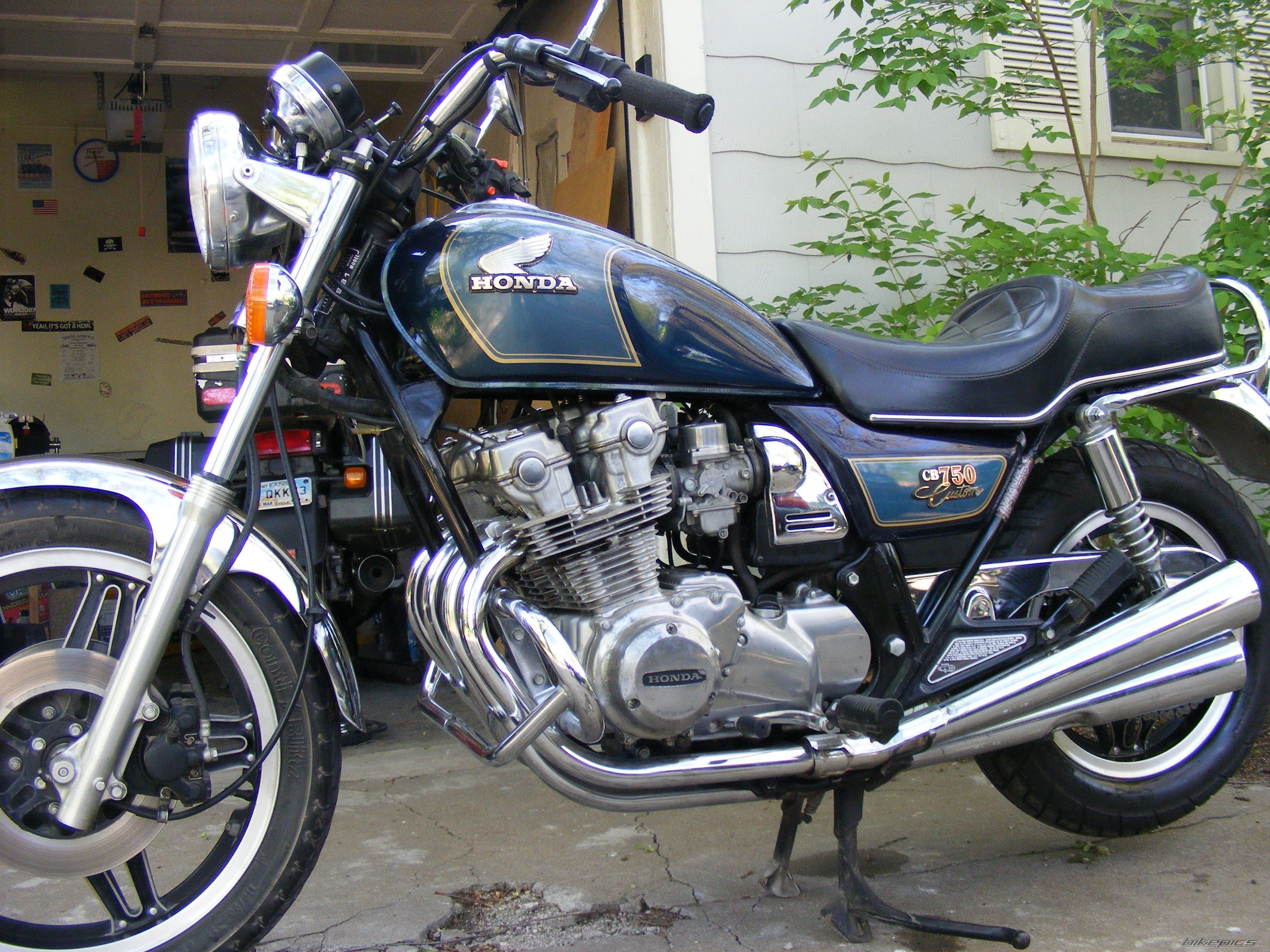 honda cb 750 custom recherche google cb 750 custom pinterest honda cb honda and cars. Black Bedroom Furniture Sets. Home Design Ideas