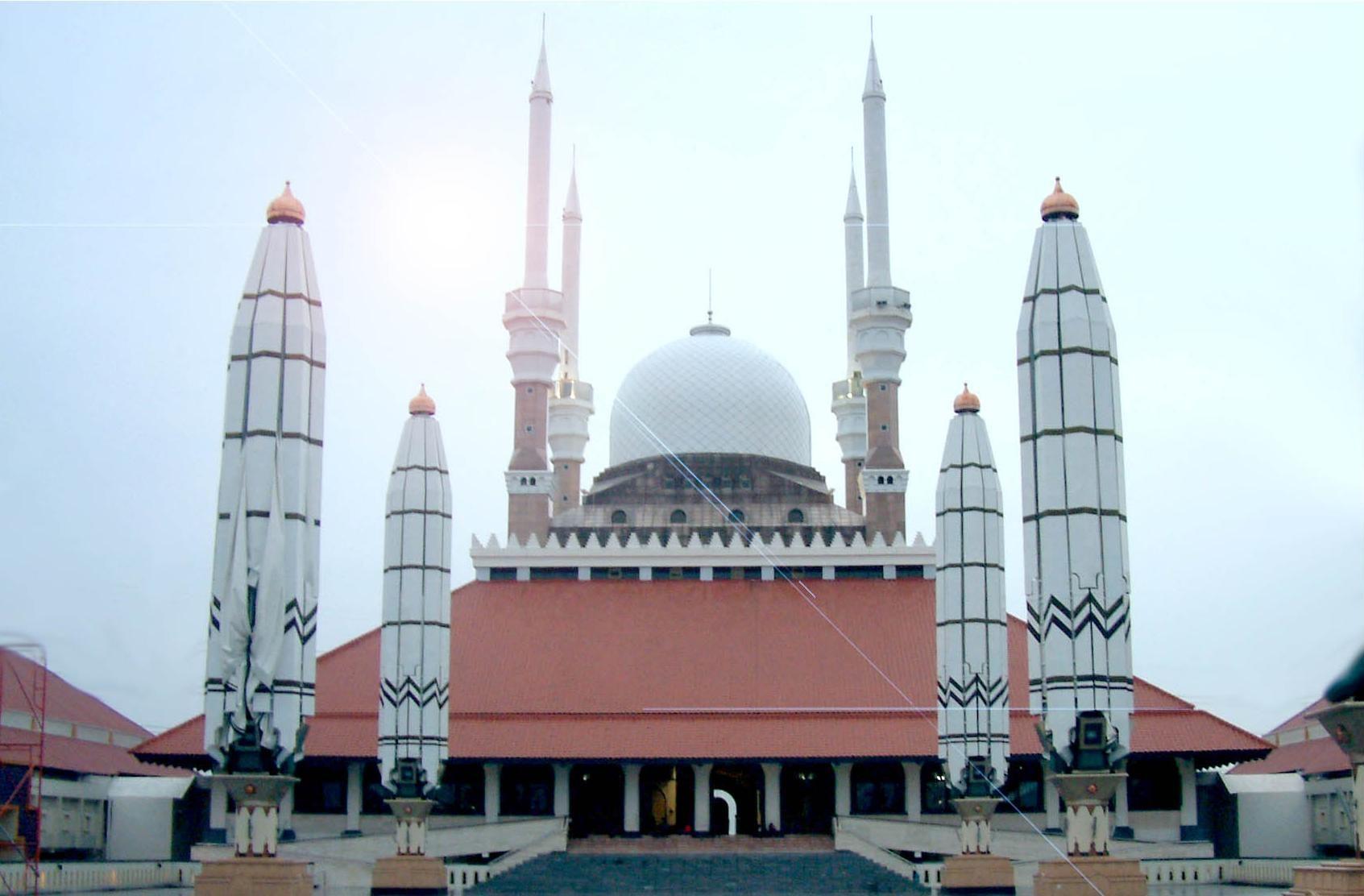 Citaten Tijd Jateng : Masjid agung jateng skorne haqqislam saracen mideast scenery ideas