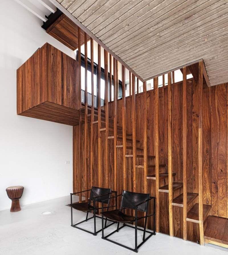 escalier en bois moderne tous les mod les en 55 photos bois de noyer escaliers en bois et. Black Bedroom Furniture Sets. Home Design Ideas