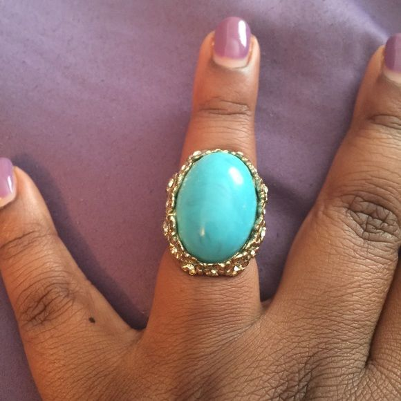 Antique Style Aqua colored antique style ring in gold setting sz 7 Jewelry Rings