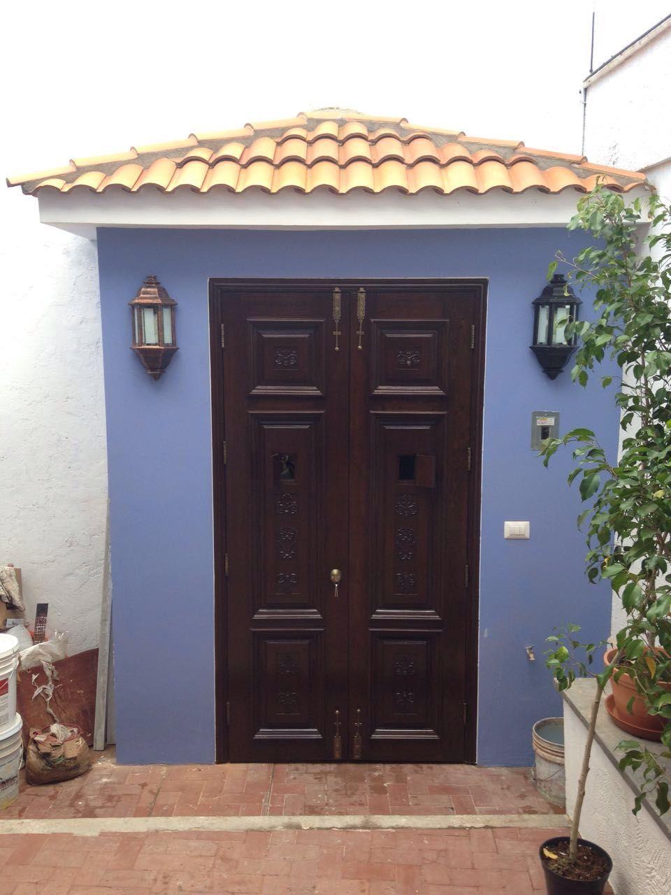 Puertas nauman de madera solida de pino acabado en barniz - Puertas color pino ...