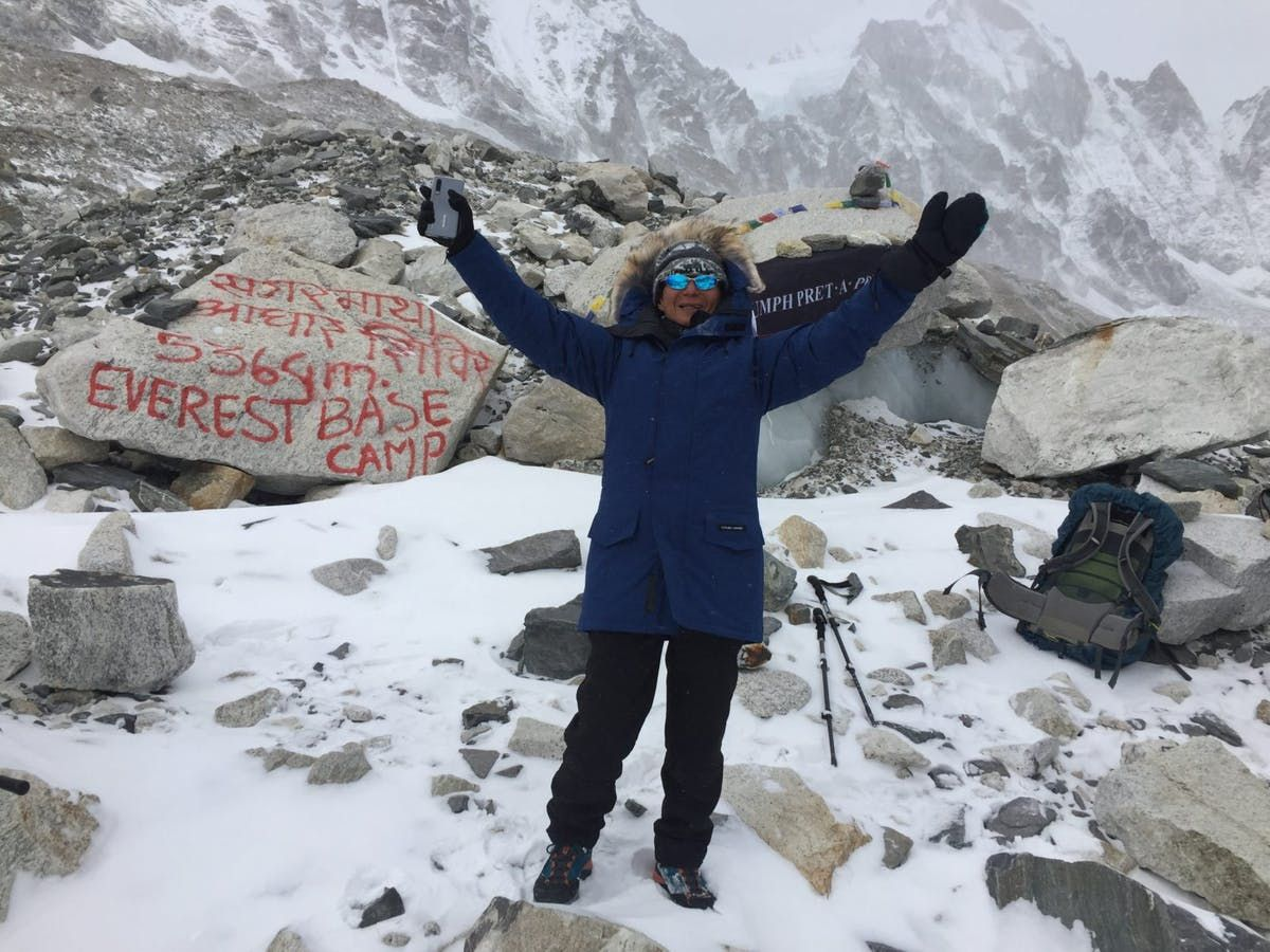 Everest base camp trek with the highest golf teeoffs by a
