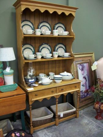 Adorable Vintage Maple Hutch. The Lived In Room   Stillwater, Minnesota    Consignment Furniture