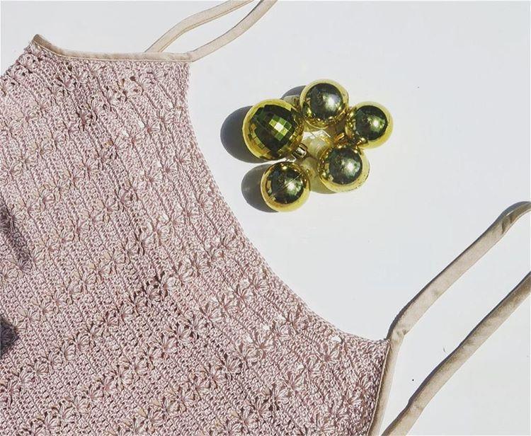Regata em crochê com costas de tecido, 100% seda {loja aberta das 10h às 19h – te esperamos!}