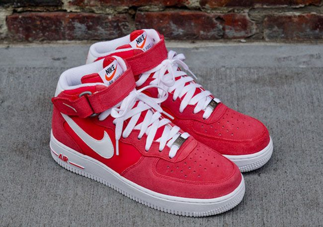 wholesale dealer a6267 f0b18 Nike Air Force 1 Mid
