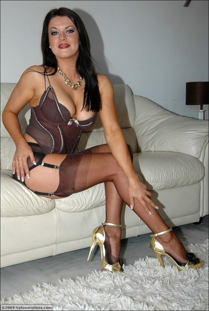 Mature House Wifes