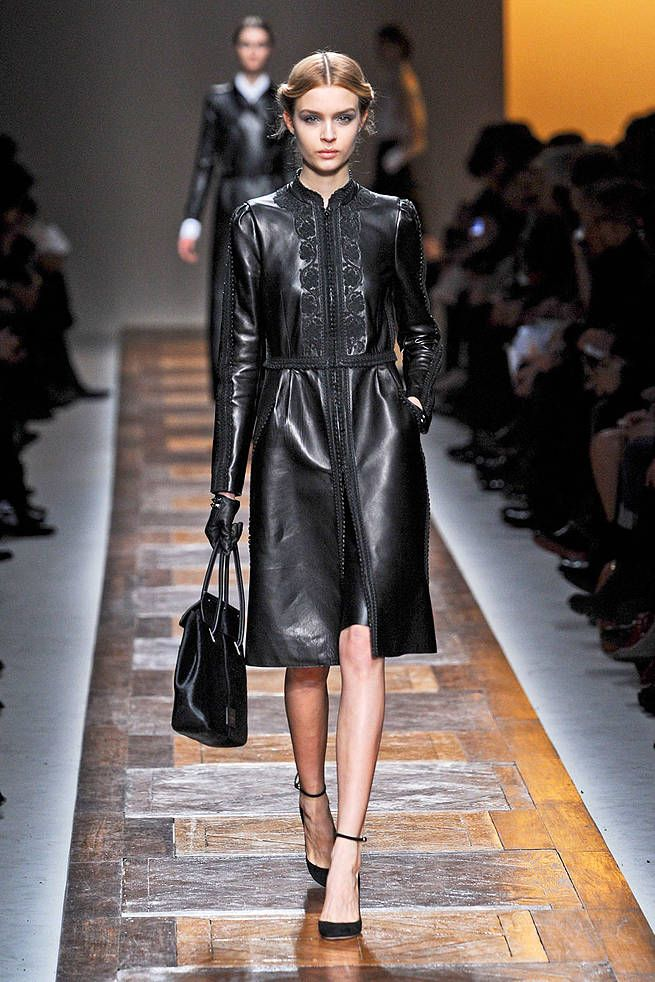 Valentino Fall 2012 Runway - Valentino Ready-To-Wear Collection - ELLE