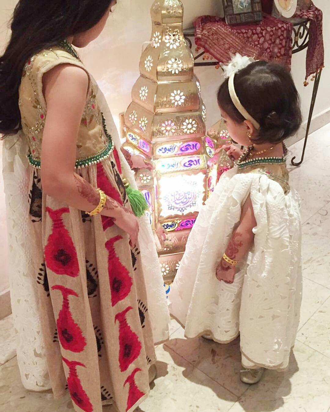 Pin By Fatima Alawami On قرقيعان White Flower Girl Dresses Kids Fashion Dress Kids Dress