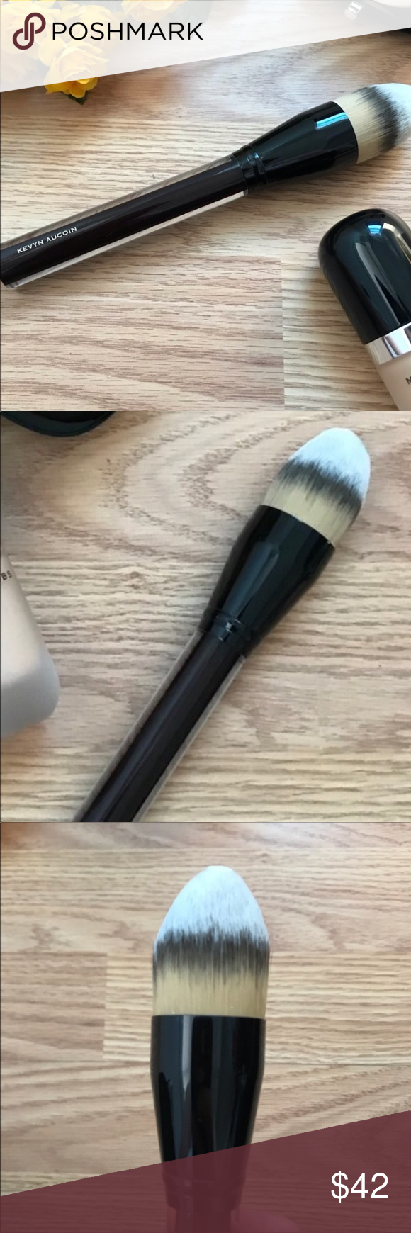 KEVIN AUCOIN THE FOUNDATION BRUSH This brush has been used