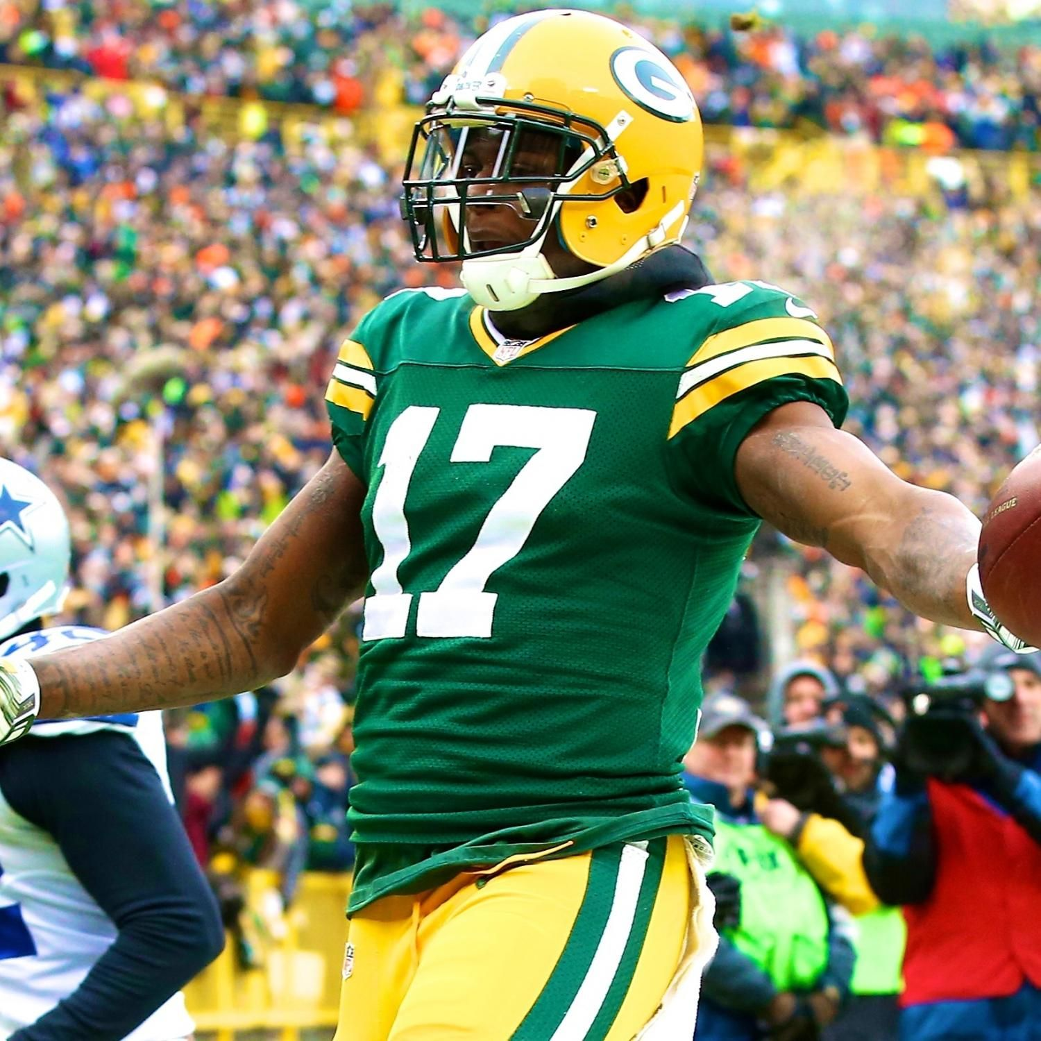 Cowboys Vs Packers Score And Twitter Reaction From 2015 Nfl Playoffs Packers Green Bay Packers Nfl Playoffs
