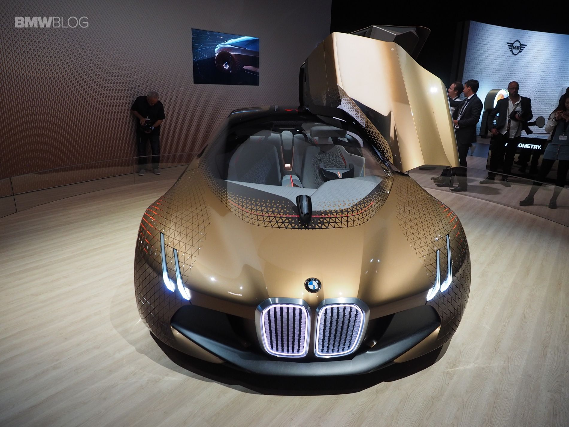 Bmw Vision Next 100 Concept Makes Its Final Stop In Los Angeles