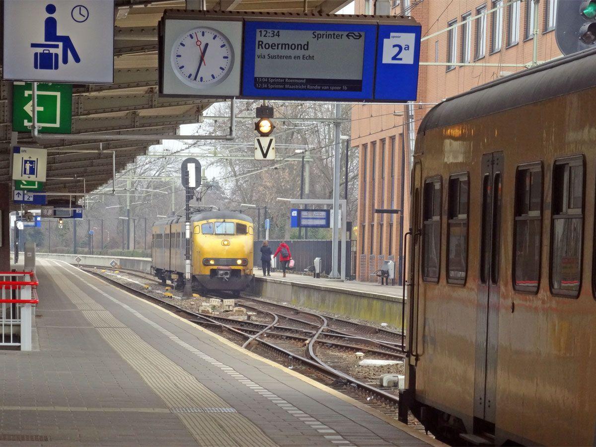 Afbeeldingsresultaat voor station roermond avond