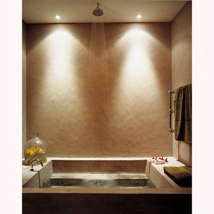 Salle de bains créée par Valérie Mazérat. Un grand bassin en ...