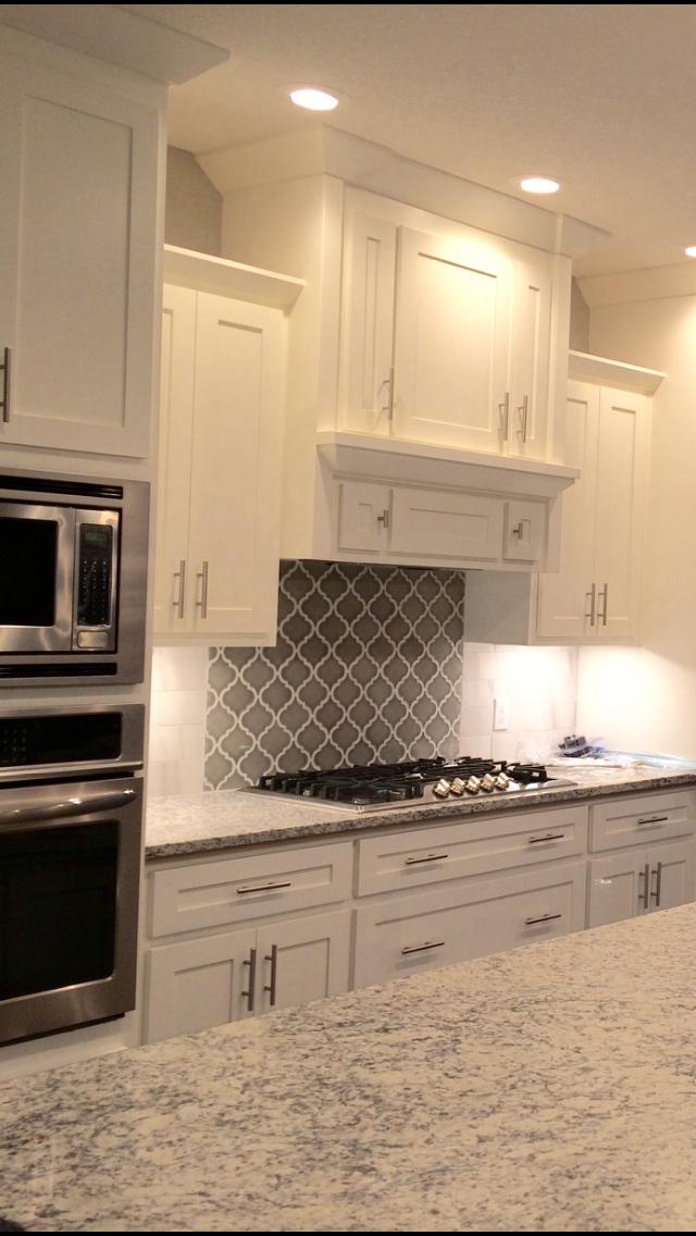 Dallas White Granite Gray Arabesque Backsplash White Shaker