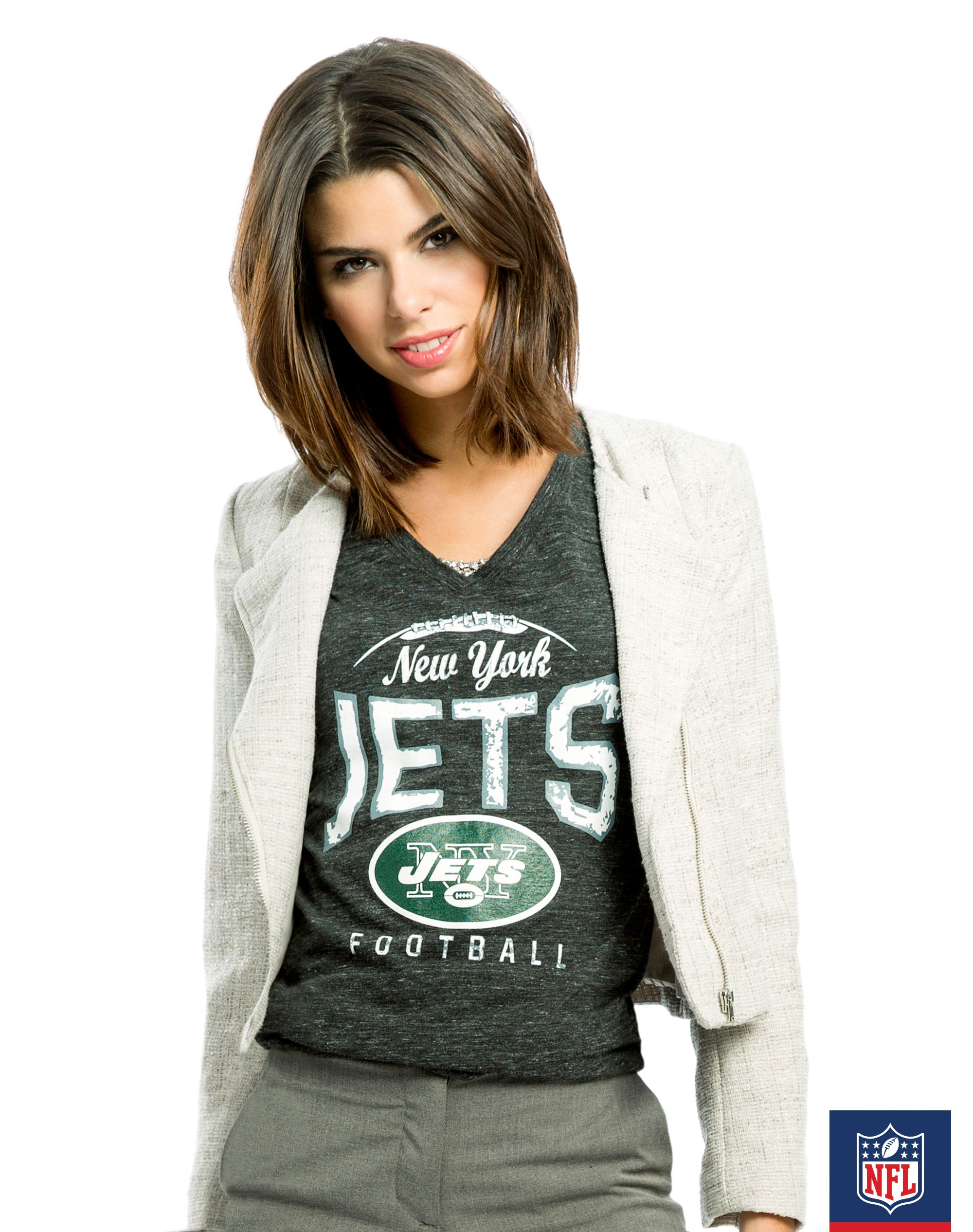 fde03ead9 The New York Jets team green means you can always wear a light grey jacket  over it.