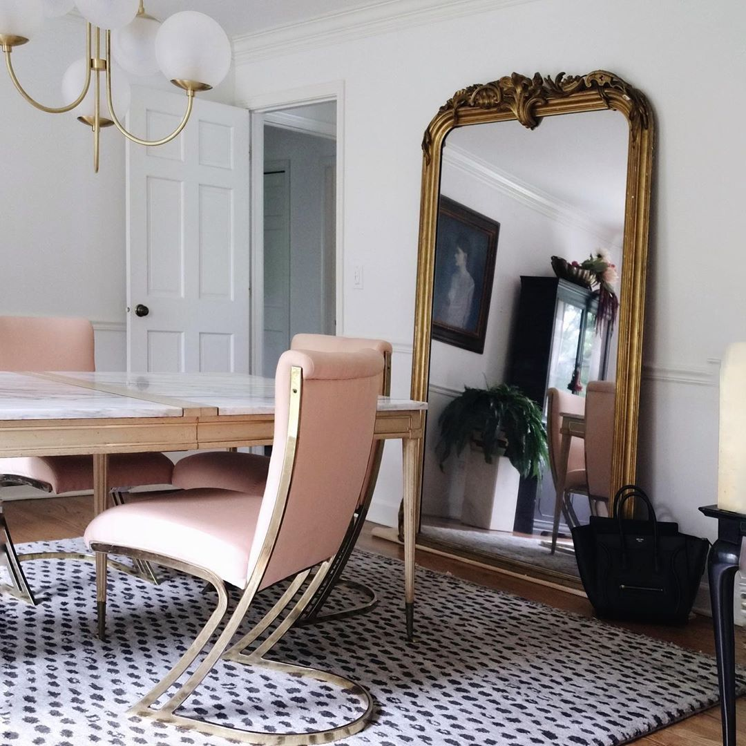 Dining Room With Oversized Gilt Gold Mirror Diningroom Home Decor Eclectic Home Rooms Home Decor
