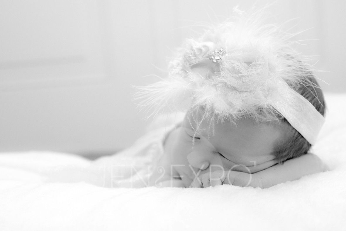 Twins Newborn Photography  www.jenexpo.com Norton, Ohio Jen Expo Photography