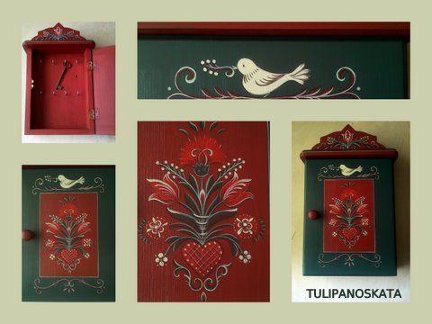 Bútorfestés, festett bútorok: Kulcsos szekrényke