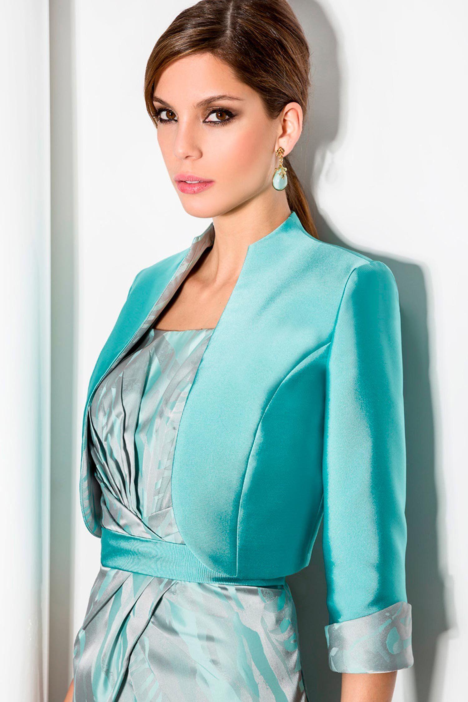 Bolero liso y vestido de madrina estampado … | Pinteres…