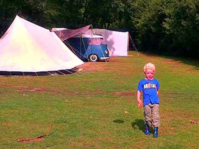 Camping Beek en Hei, man wat ligt deze camping op de Veluwe toch mooi! Kinderen…