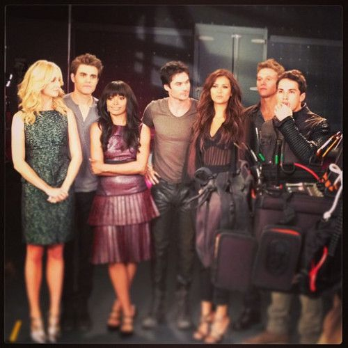 Ian and TVD Cast at the Promotional Photoshoot for Season