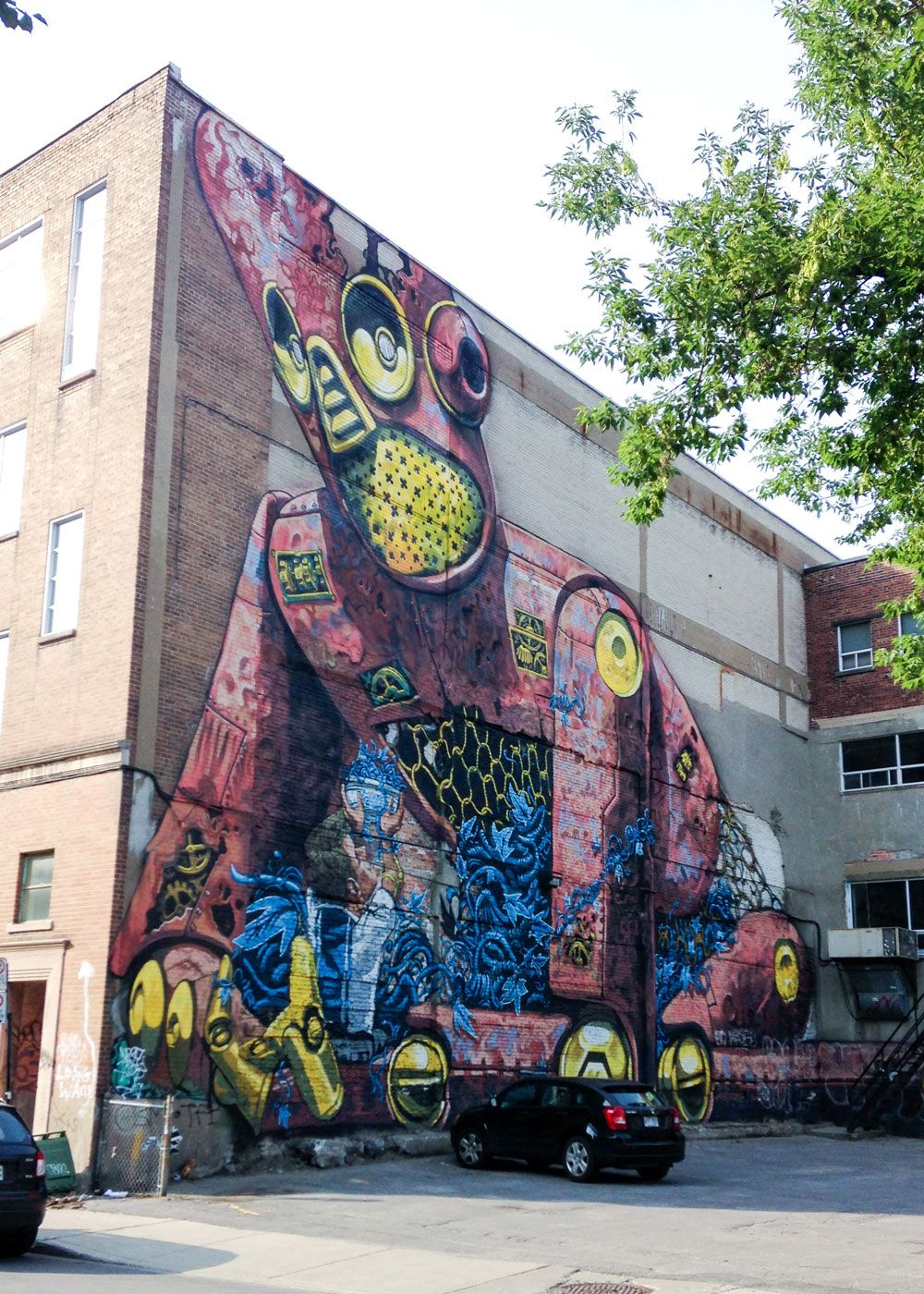Montreal street art mural by italian painter pixel pancho for Art mural montreal