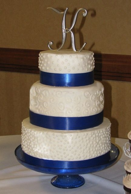 Cake Decorating Ribbon Ideas : sweet 16 snowflake cake - Google Search cakes ...