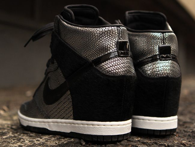 Nike WMNS Dunk Sky Hi New York