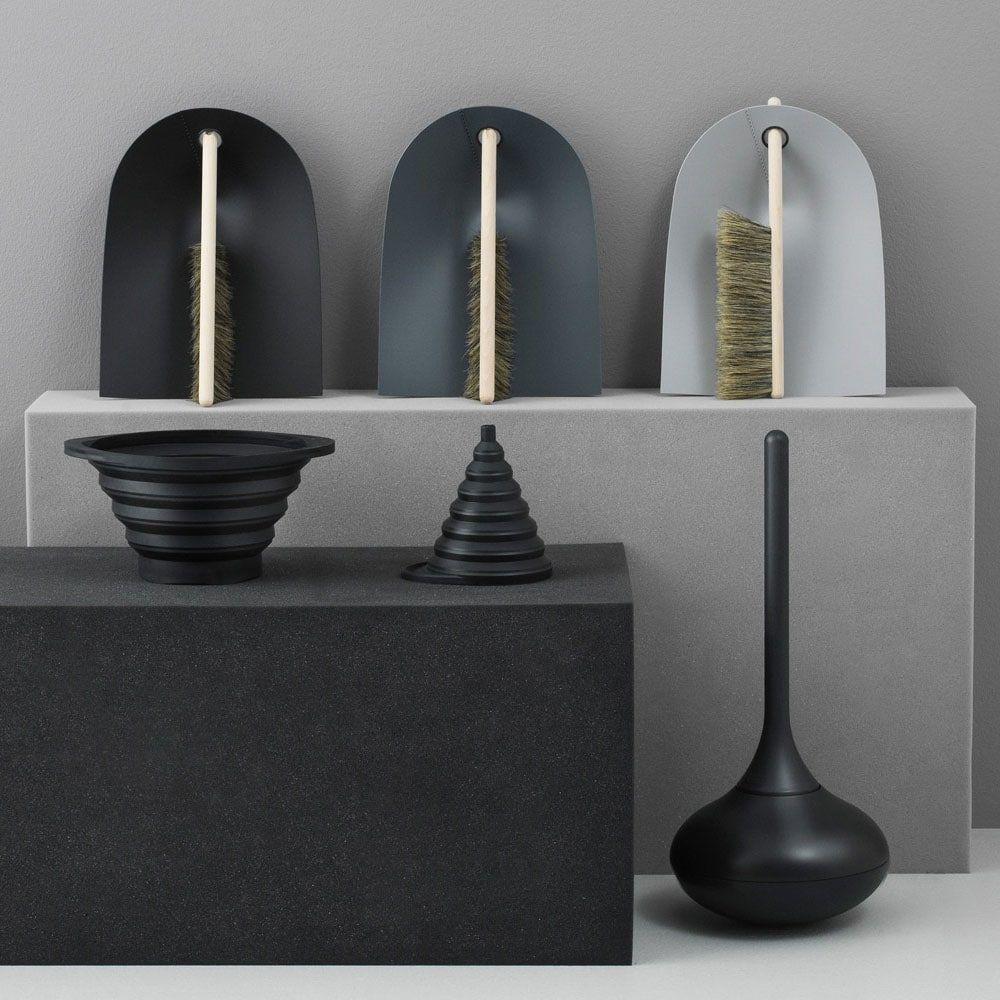 Photo of Ballo Toilet brush, black – Normann Copenhagen @ RoyalDesign