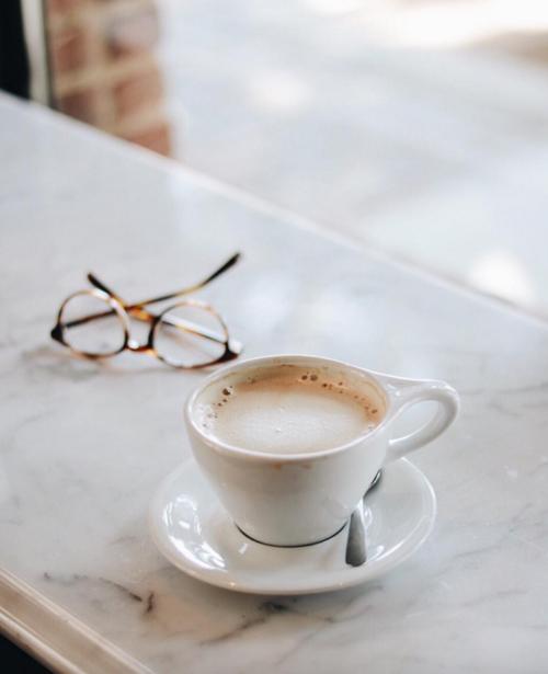 Imagem de cinderelamodernizada Café e livros, Hora do