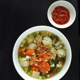 Chinese Pickled Mustard Green Soup With Tofu And Fish Ball Chinese Cuisine Recipes Pickled Mustard Greens Green Soup