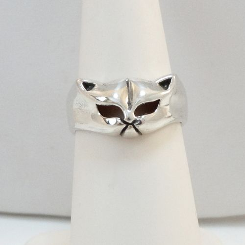 Cat Face Ring in Sterling Silver