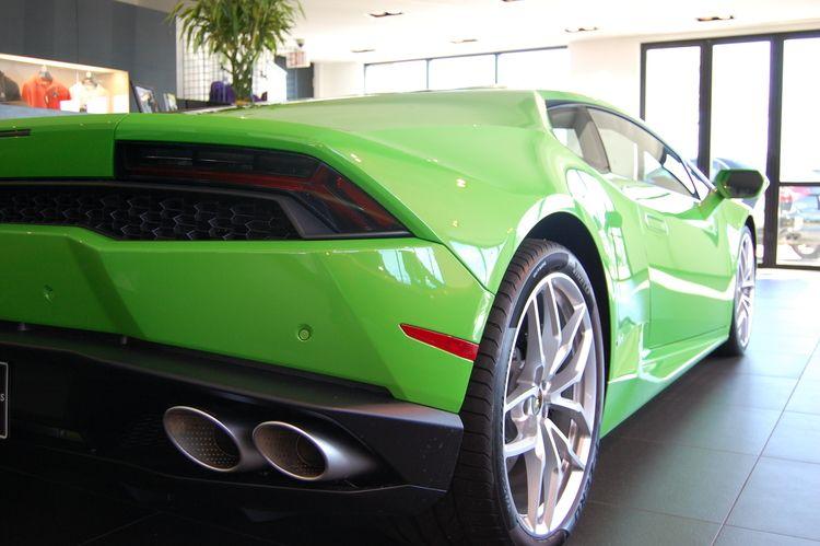 2015 Lamborghini Huracan — Road Tests & Photos