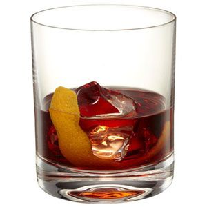 Americano Ricetta Angostura.Festive Cocktail And Drink Recipes To Get You In The Holiday Spirit Christmas Cocktail Drinks Holiday Alcoholic Drink Recipes Holiday Recipes Drinks