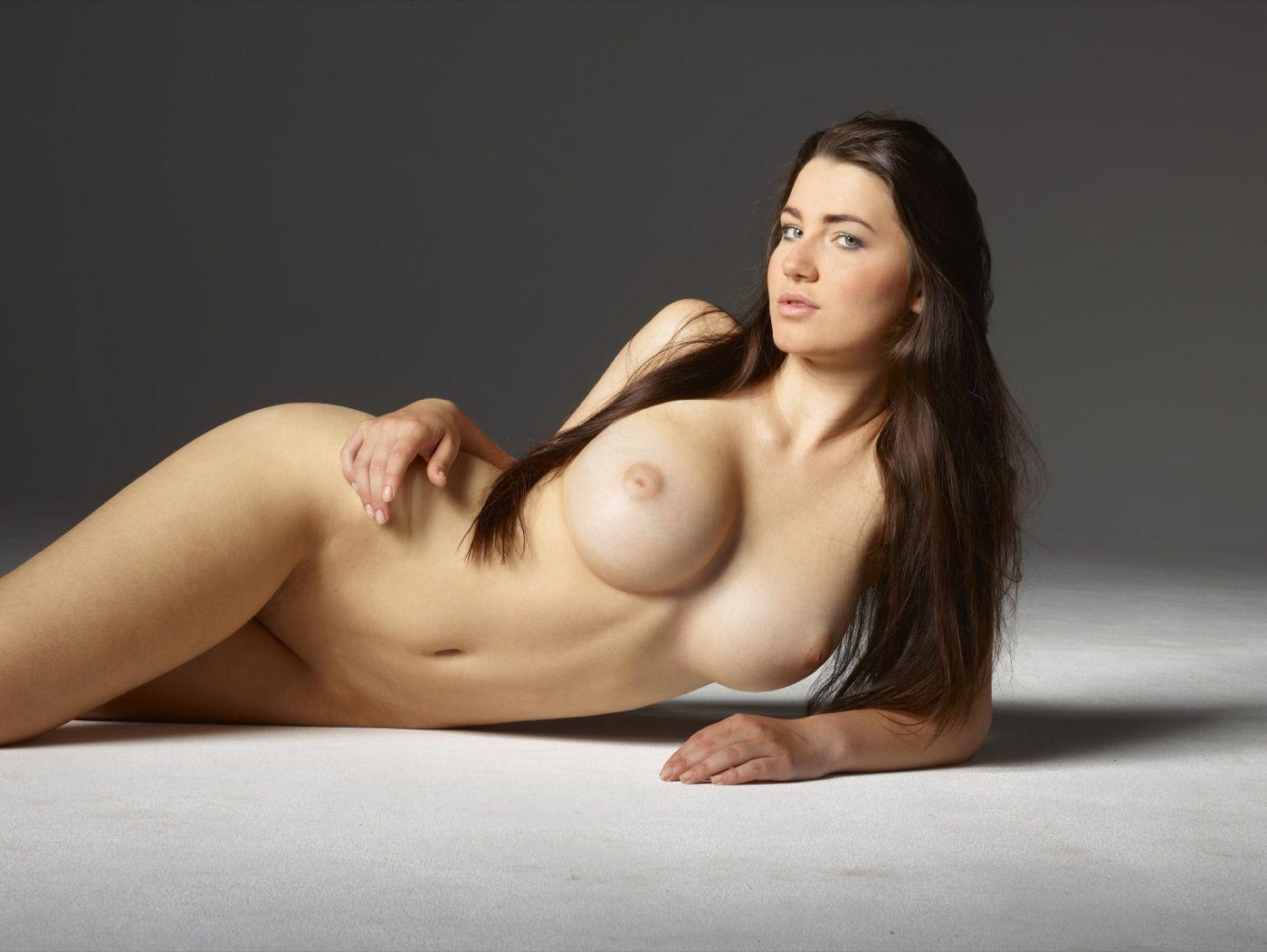 голые девушки с пышными