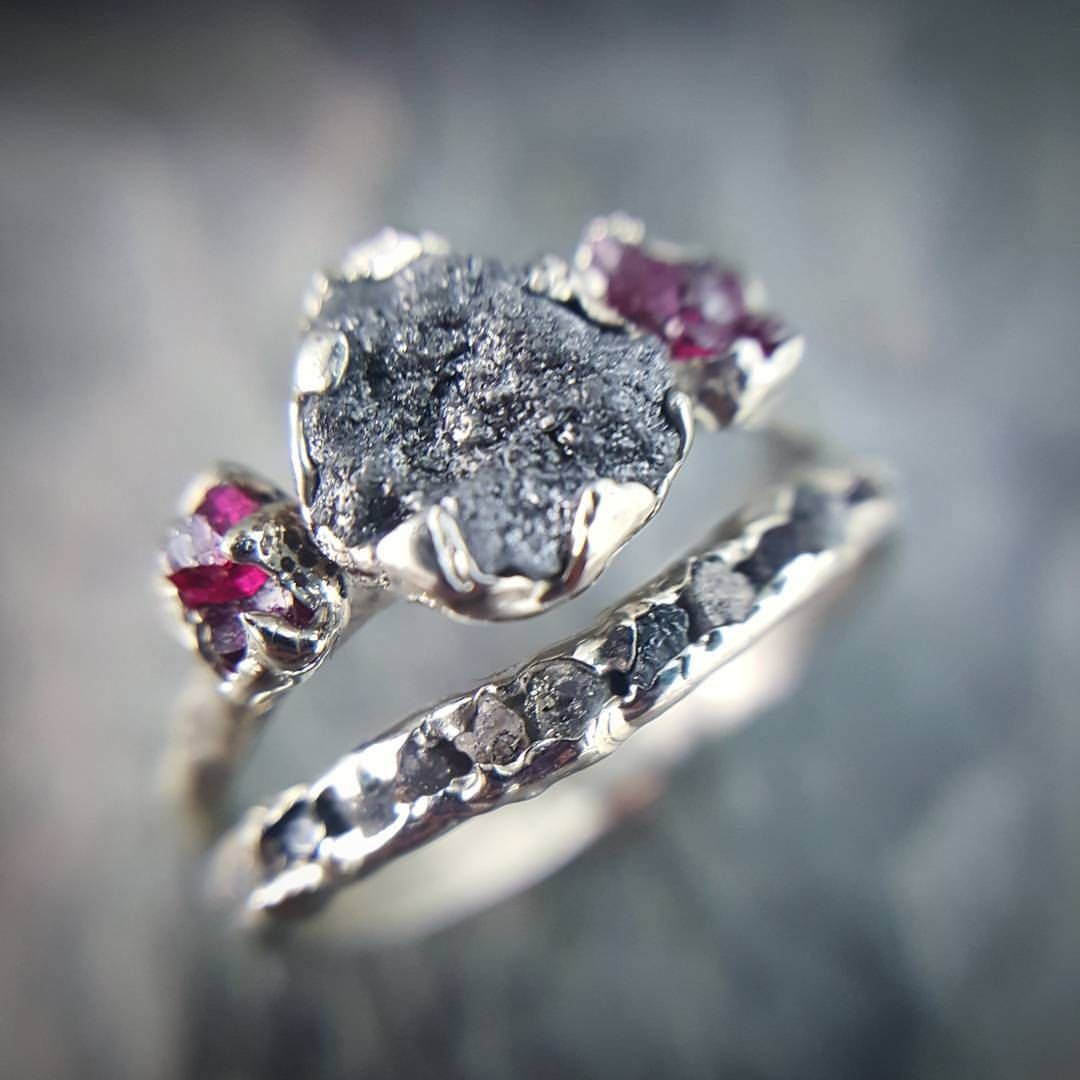 Such a gorgeous set. Diamonds in the rough are unique & amazing. I love her work!