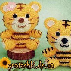 Free Crochet Tiger Amigurumi Pattern - thefriendlyredfox.com | 236x236