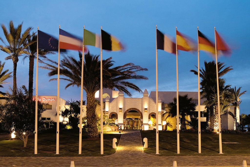 Bild Hotel Zu Clubhotel Riu Tikida Dunas In Agadir Hotel Riu Hotel House Styles
