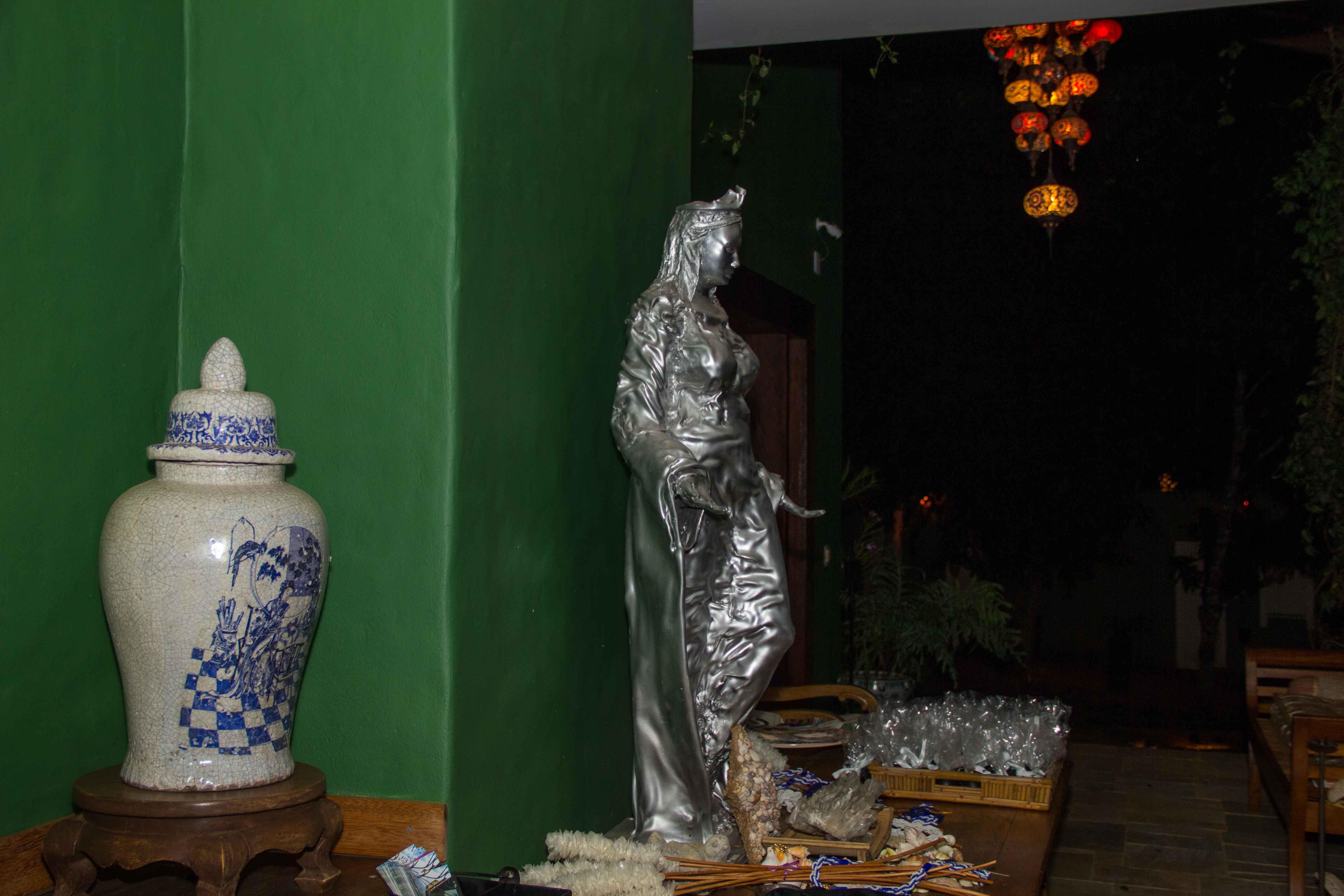 Yemanja Sculpture - Casa da Lua pousada