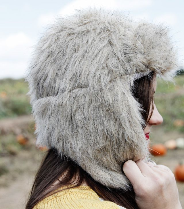 FAUX FUR: trapper hat (free pattern | Schnittmuster