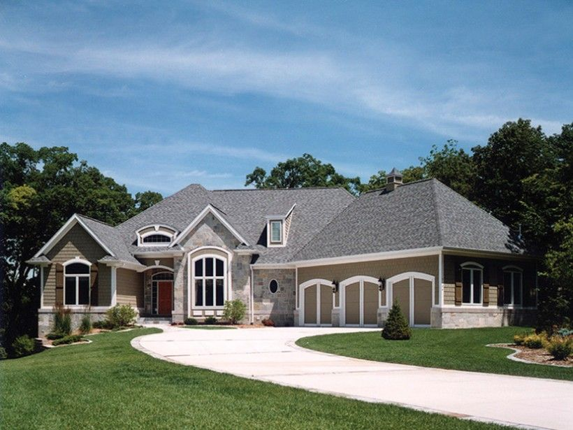 European Style House Plan 5 Beds 4 Baths 5079 Sq Ft Plan 70 781 In 2020 Craftsman Style House Plans French Country House Plans French Country House