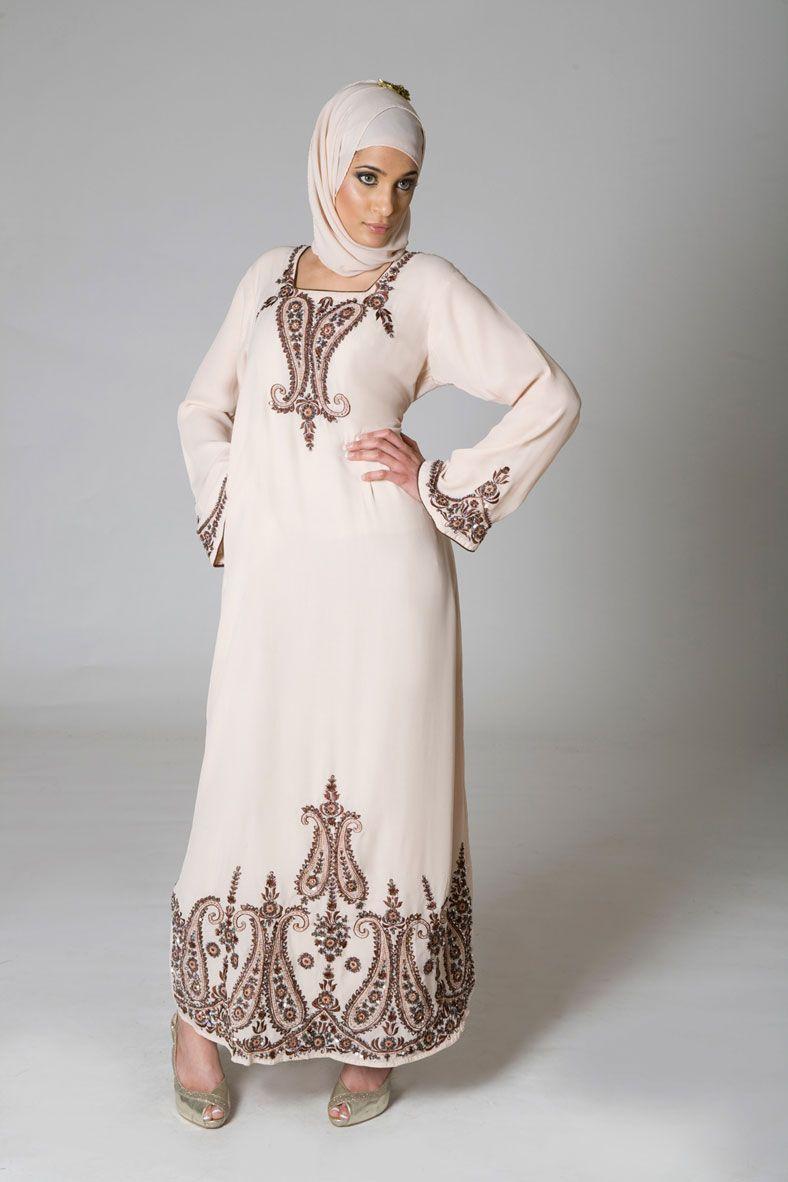 Lebaness attire - Traditional Islamic Clothing for Women- Men ...