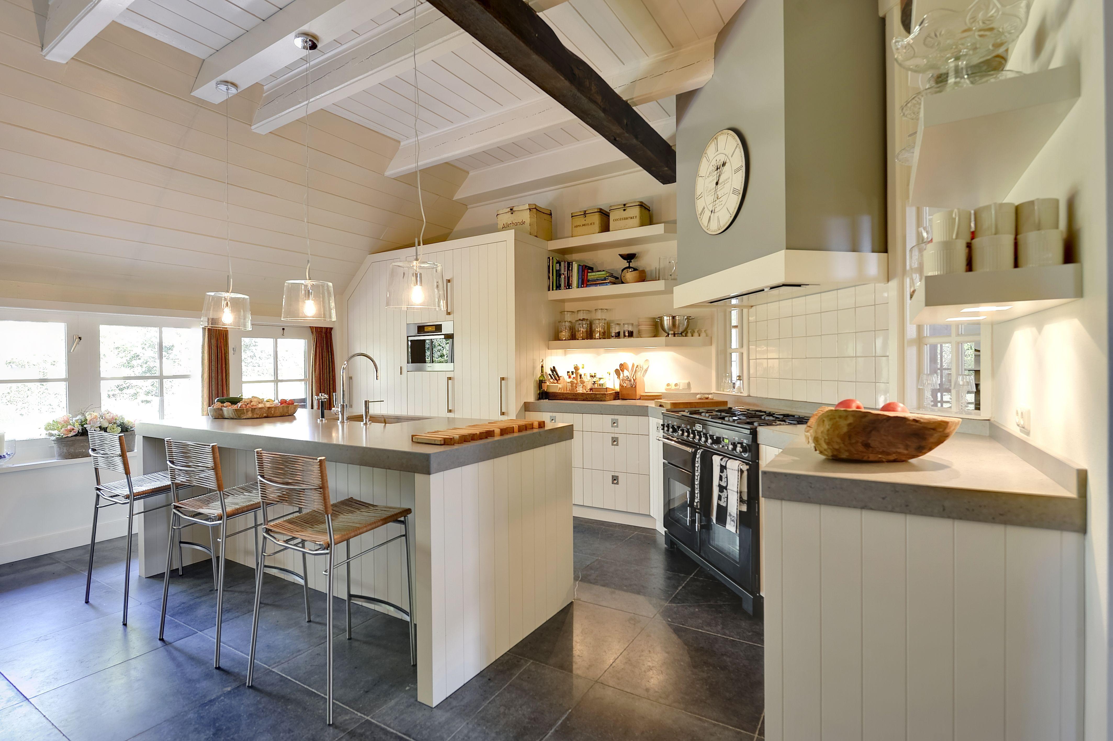 Moderne Tijdloze Keuken : Deze moderne maar ook landelijke keuken is geheel tijdloos een