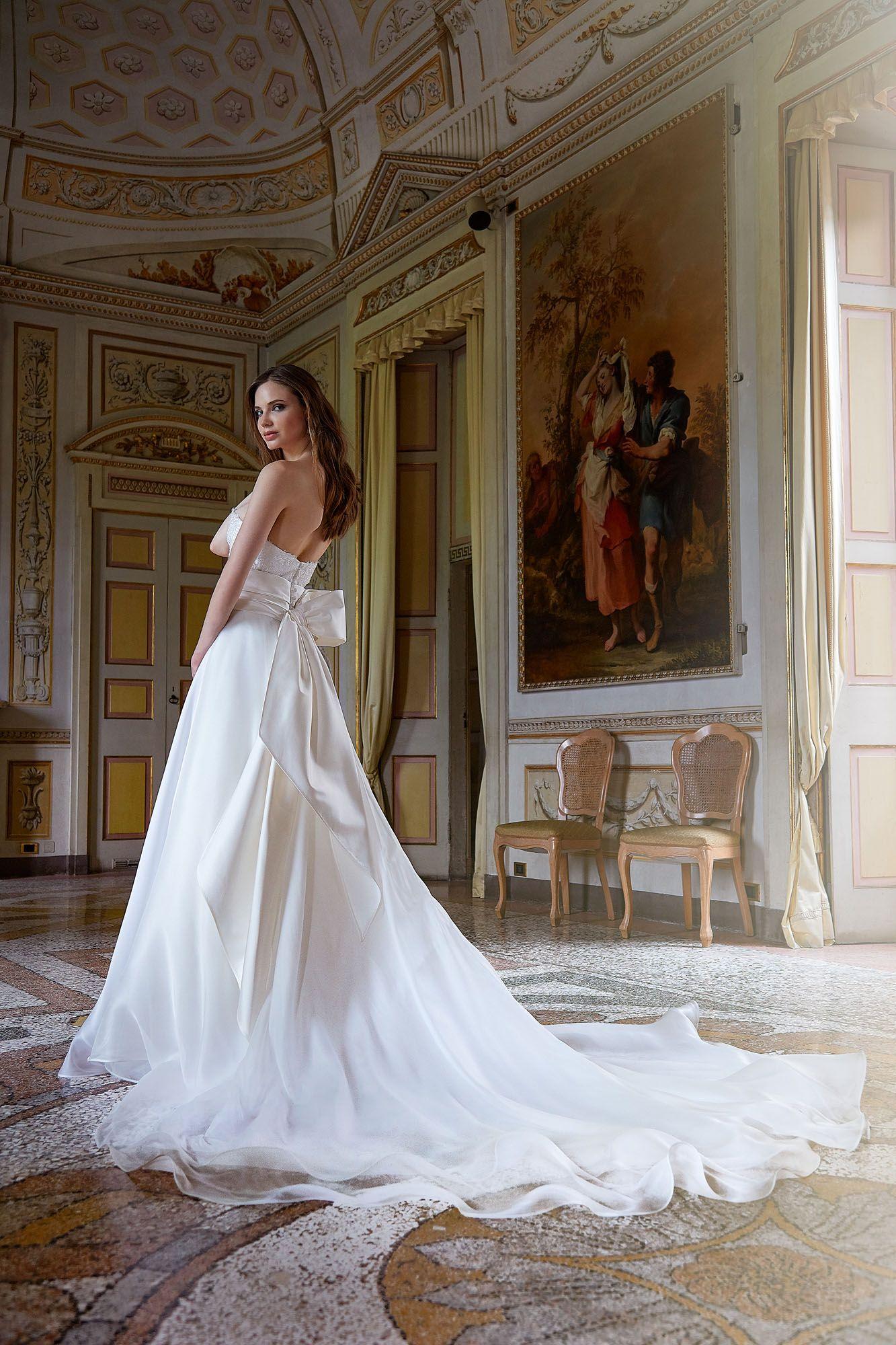 4b78d7e9c97a MODELLO 1808 Meraviglioso abito da sposa in organza voile di seta pura con  bustino in pizzo