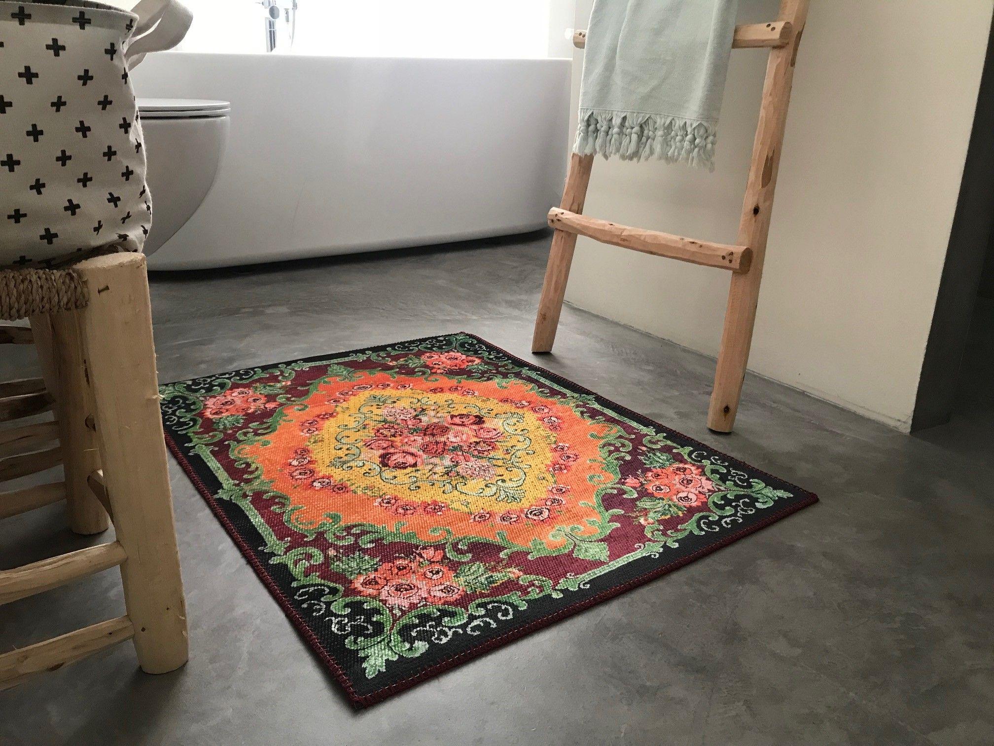 Badkamer Tapijt Badmat : Mooi voor in de badkamer deze badmat met rozenkelim print
