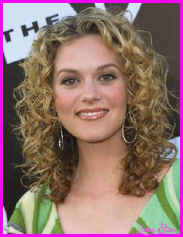 Lovely Hairstyles for Naturally Curly Hair Medium Length