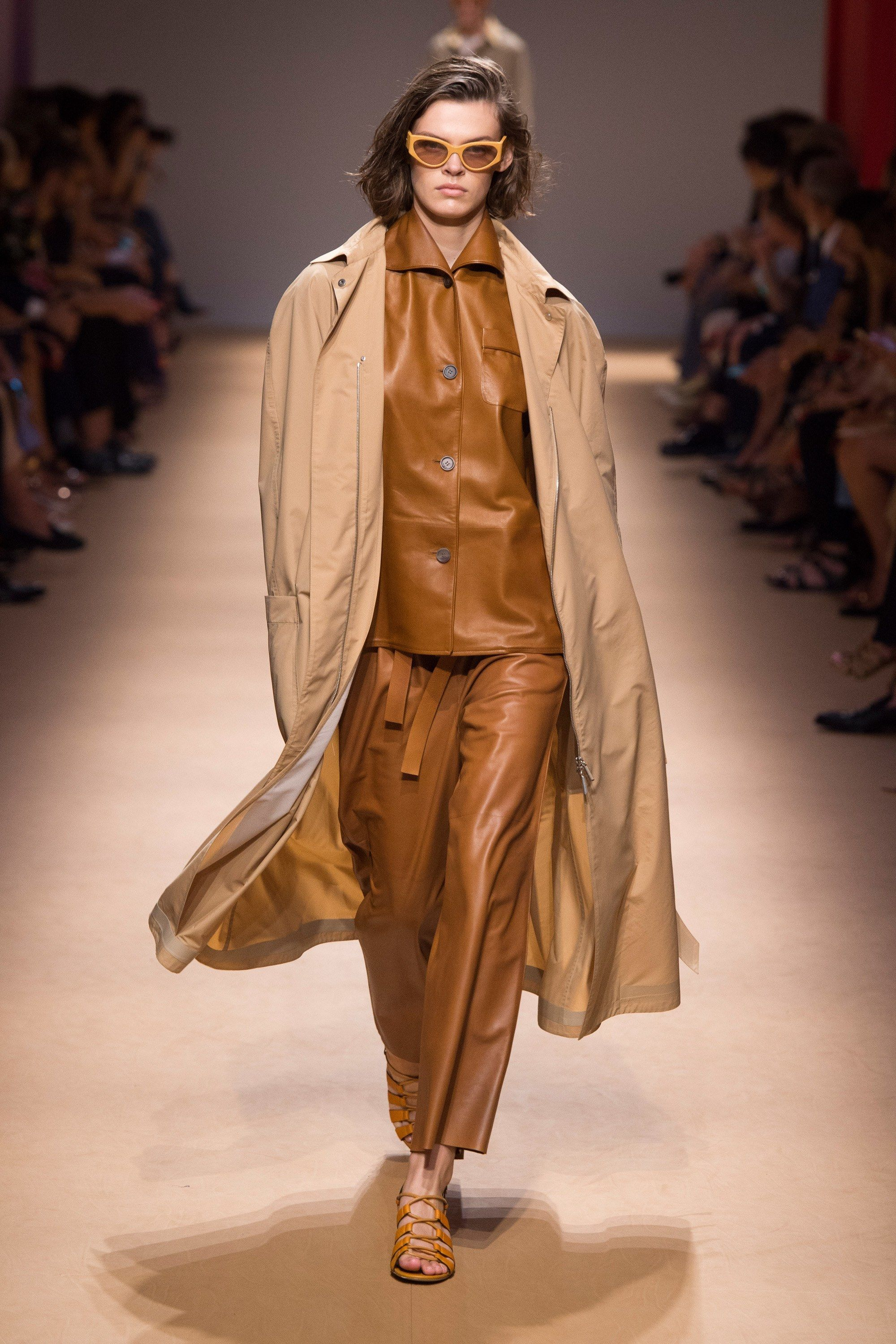 8d372afb834d Salvatore Ferragamo Spring Summer 2019 Ready To Wear-ready Woman Vogue  Runway Beige Trend - Read the Spring Summer 2019 Trends Fashion Week  Coverage on ...