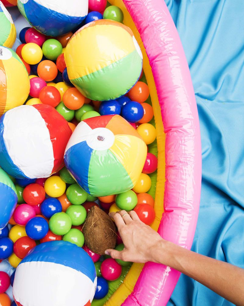 This Is How To Throw An Amazing Beach-Themed Party This Summer
