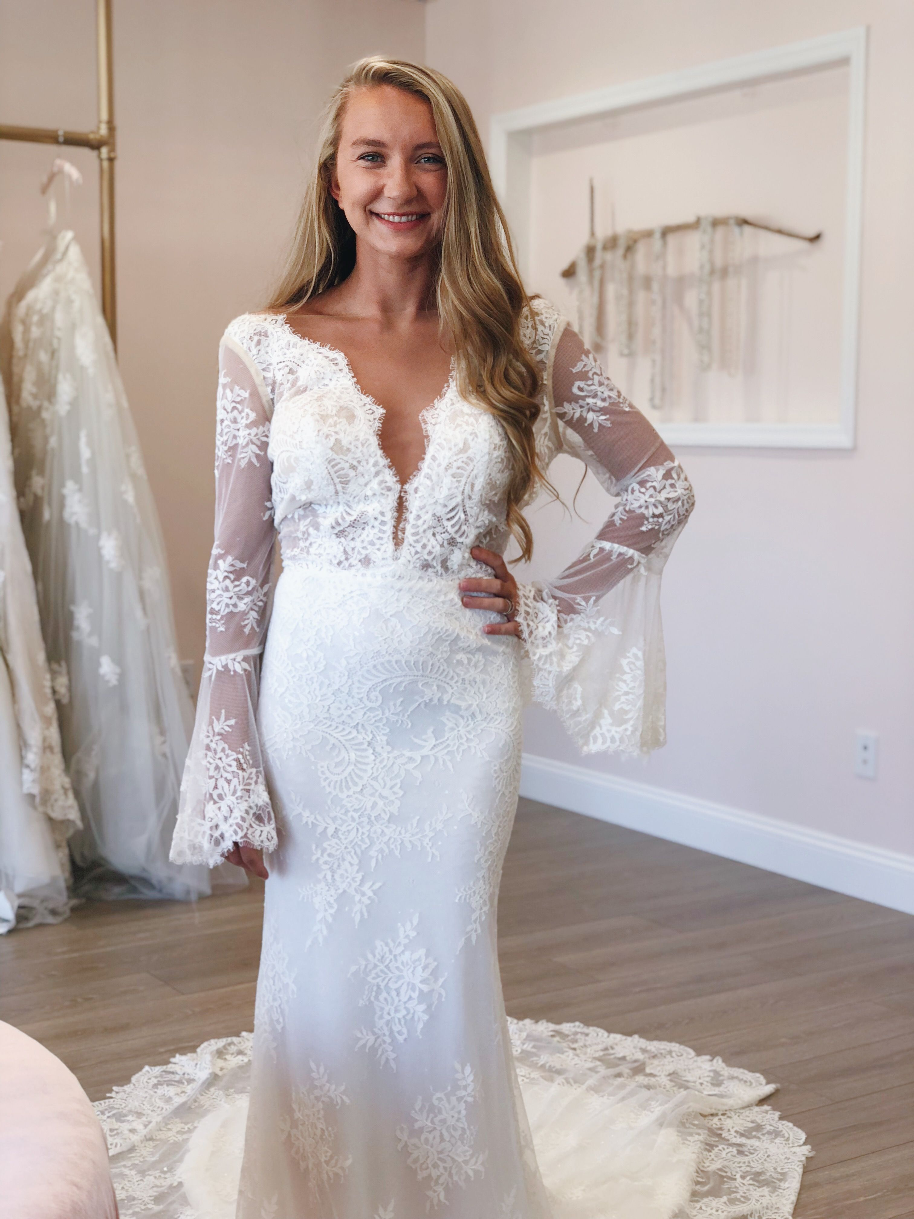 The Perfect Weddingdress For A Bohobride We Are Obsessed With The Amber Dress With It S Long Lacy Train And B Wedding Dresses Boho Bride Bridal Boutique [ 4032 x 3024 Pixel ]