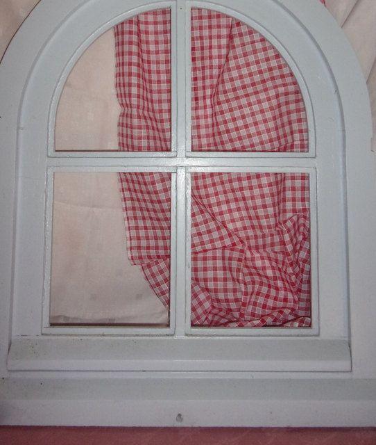 Un fin tissu ancien pour rideaux , damiers rouge et blancs de la boutique FRANCEDECO sur Etsy